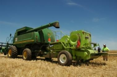 """<img src=""""Farmland-Auctions-auction-farm-land-agriculture-auctions-in-Washington-Oregon-Idaho-Montana-Pacific-Northwest-land-auctions-auction-sites-farm-property-agricultural-farm-wheatland-auction-services-united-walla-walla-real-estate-brokers.jpg""""title=""""wheat harvest combine auction farm land ground Washington Oregon Idaho Montana Pacific Northwest land auction sites services walla walla real estate brokers""""alt=""""wheat harvest combine auction ground farm services auction sites sell farm ground land"""">"""