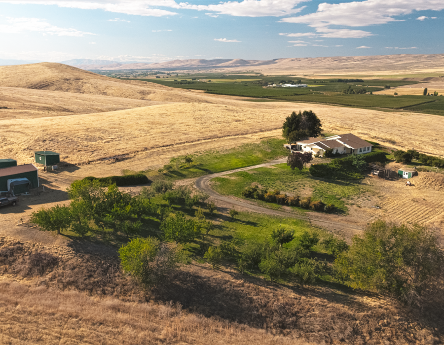 """<img src=""""Blackrock-Ranch-for-sale-Moxee-Yakima-Washington-state-WA-irrigated-property-land-agriculture-farm-organic-orchard-cherries-apples-wind-machines-windmill-water-rights.jpg""""title=""""Blackrock Ranch for sale Moxee Yakima County Washington State WA Irrigated property land agriculture farm organic orchard cherries apples wind machines windmill water rights""""alt=""""Blackrock Ranch for sale Moxee Yakima County Washington State WA Irrigated property land agriculture farm organic orchard"""">"""