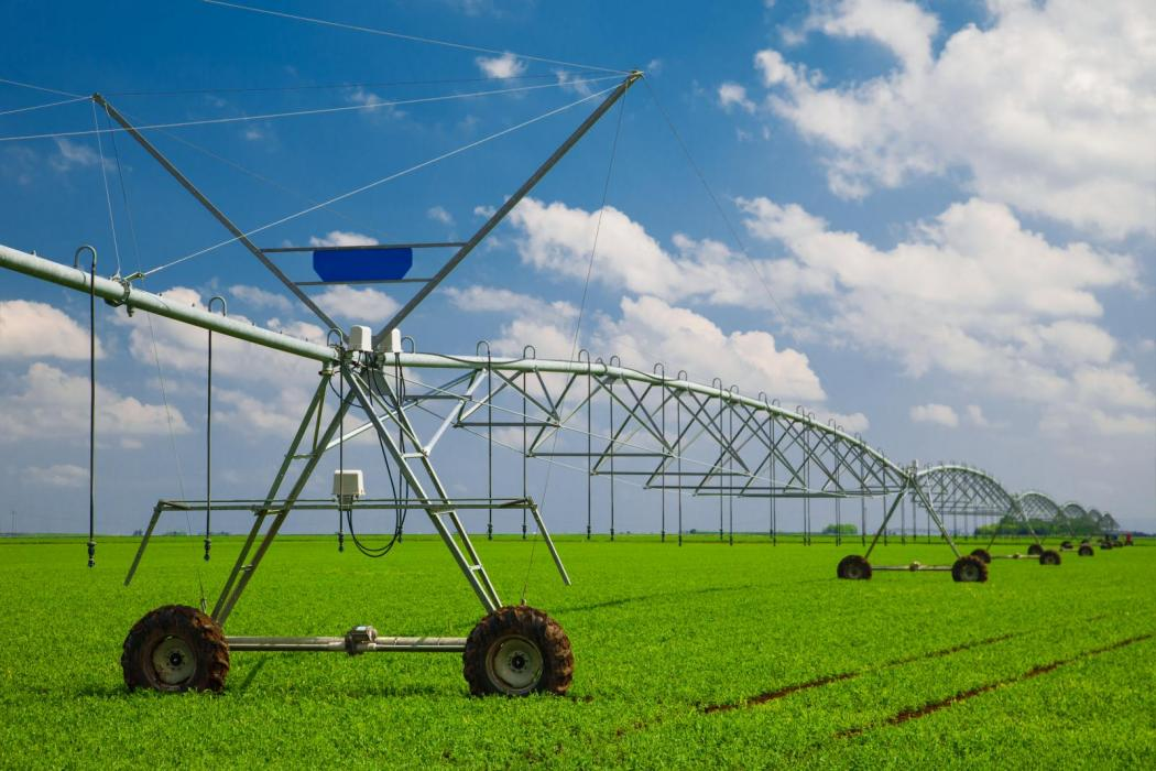 "<img src=""irrigated-farms-for-sale-pacific-northwest-walla-walla-washington-with-irrigation-that-are-sold-farm-Irrigated-farms-for-sale-in-Washington-State-oregon-idaho-montana.jpg""title=""Spring Day with Circle Irrigation irrigated farms for sale around Washington""alt=""Crop with circle irrigation in place spring wheat farm irrigated near Washington"">"