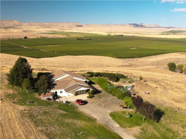 "<img src=""Blackrock-Ranch-for-sale-Moxee-Yakima-Washington-state-WA-irrigated-property-land-agriculture-farm-organic-orchard-cherries-apples-wind-machines-windmill-water-rights.jpg""title=""Blackrock Ranch for sale Moxee Yakima County Washington State WA Irrigated property land agriculture farm organic orchard cherries apples wind machines windmill water rights""alt=""Blackrock Ranch for sale Moxee Yakima County Washington State WA Irrigated property land agriculture farm organic orchard"">"
